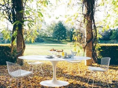 KNOLL Saarinen oval table 1957